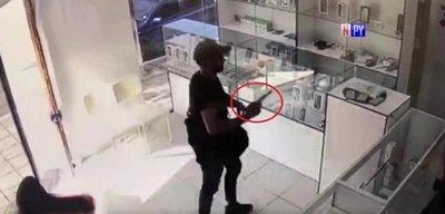 Solitario ladrón se lleva G. 70 millones en celulares de una tienda
