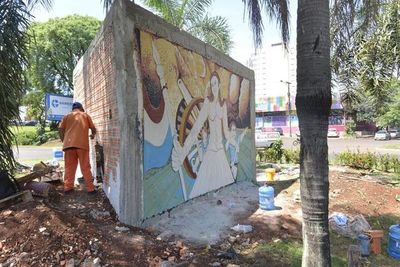 Municipalidad no pidió permiso para construir mural en franja del MOPC
