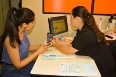 UNE informatizó gestión académica para agilizar trámites y ya registra más de 30 mil consultas