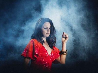 Lana del Rey cancela su gira en Europa al perder completamente la voz