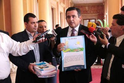 Denuncian que libros de Guaraní del MEC son 85% en castellano