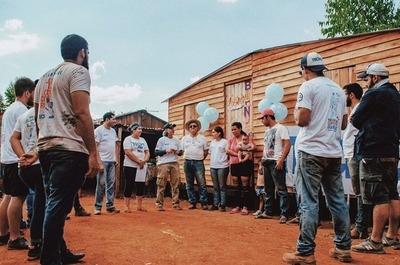 Invitan a voluntarios a construir casas de emergencia en Minga