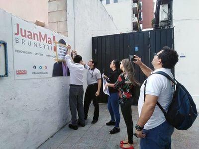 Carteles de precandidato Brunetti fueron retirados por violar el Código Electoral