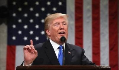 """HOY / Trump critica a Brad Pitt, los Óscar y a """"Parasite"""" por ser una cinta coreana"""