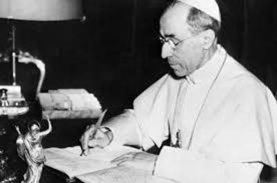 HOY / Papa abre archivo de Pío XII, el pontífice acusado de haber callado ante atrocidad nazi