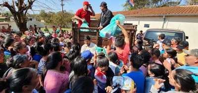 Gobernación lleva asistencia sanitaria y alimenticia a Los Cedrales