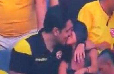 'Destruyeron mi relación': las excusas del hincha captado por la Kiss Cam en plena infidelidad