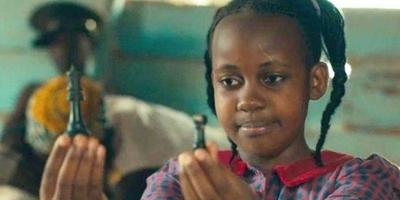 """HOY / Muere a los 15 años Nikita Walingwa, actriz de Disney en """"La reina de Katwe"""""""