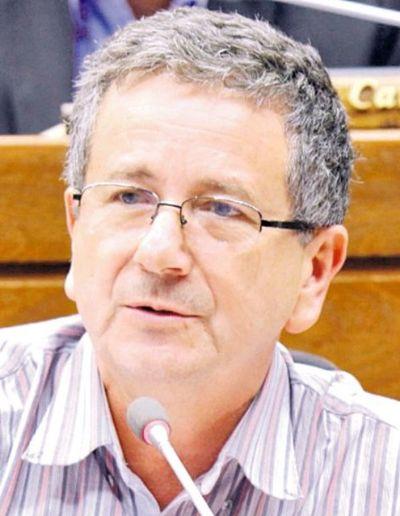 """Afirman que Diputados debería convocar """"inmediatamente"""" a suplente de Miguel Cuevas"""