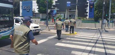 Notifican a limpiavidrios y cuidacoches que tienen prohibido operar en Asunción