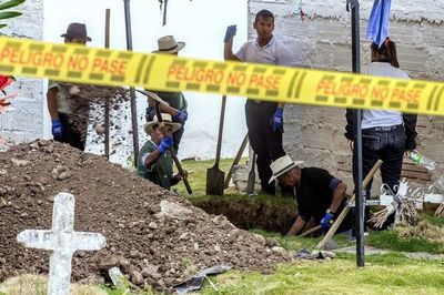 Exhuman 54 cuerpos de posibles víctimas de ejecuciones en Colombia