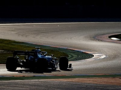 Bottas y Hamilton lideran la última jornada de test en Montmeló