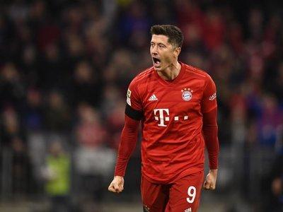 Lewandowski sujeta al Bayern