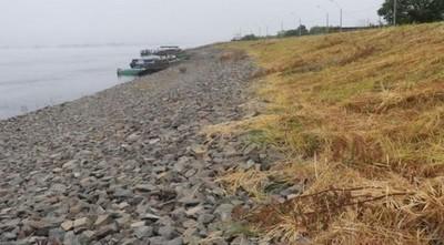 Alberdi al borde del aislamiento por la crecida del río