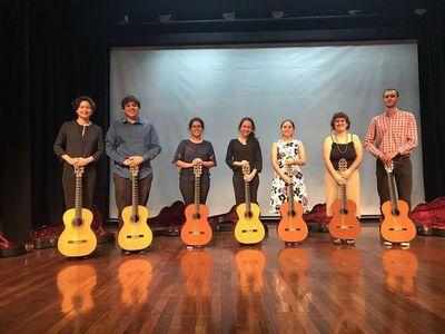 El Banco de Guitarras Pu Rory beneficia a jóvenes paraguayos