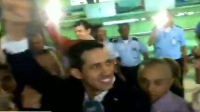 Embajadores de todo el mundo recibieron a Juan Guaidó en el Aeropuerto Simón Bolívar