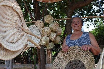 El IPA entregará fondos a proyectos de mujeres artesanas este lunes