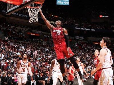 Heat imponen marca y retiran número de Wade