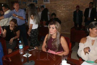 Ediles eligen a Perla Rodríguez como intendenta interina de CDE