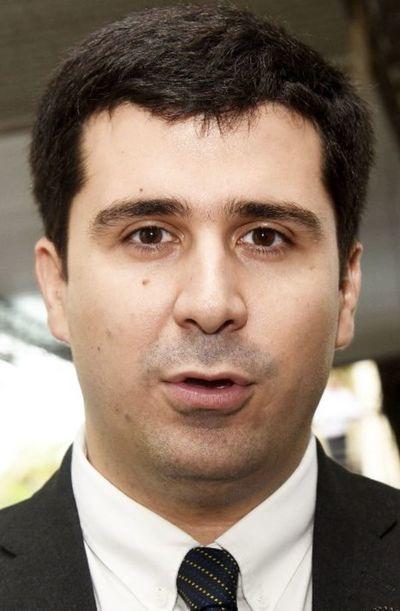 """Otorgar un permiso a Miguel Cuevas """"no corresponde"""", afirma diputado Sebastián Villarejo"""