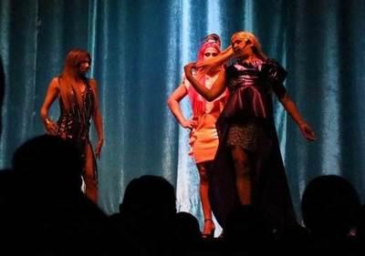 Siguen funciones en el Teatro Latino