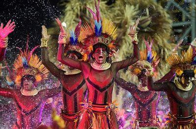 El carnaval de Río arranca con un fastuoso mensaje de tolerancia