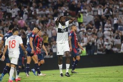 Cerro jugó más 'tranquilo' con Adebayor, contó Patiño