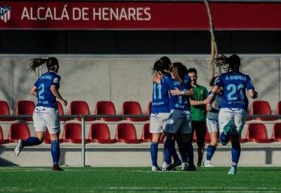 Una paraguaya hizo un gol y su equipo ganó al Atlético de Madrid