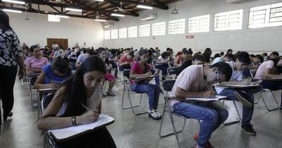 Unos 4.800 jóvenes se postularon para las Becas Itaipú-Becal 2020
