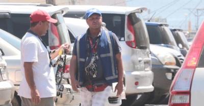 Cuidacoches:  Policía dejó en bola a intendente