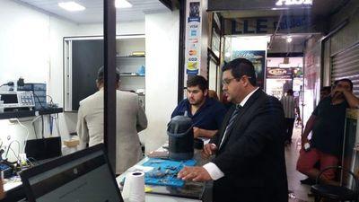 Decomisan celulares presuntamente falsificados en galería Jebai Center de CDE