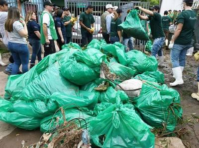 Minga ambiental en arroyo Mburicaó deja al descubierto la inacción del estado