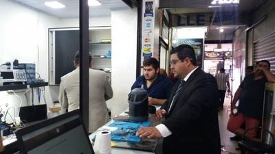HOY / A la caza de celulares falsificados: intervinieron seis comercios fronterizos