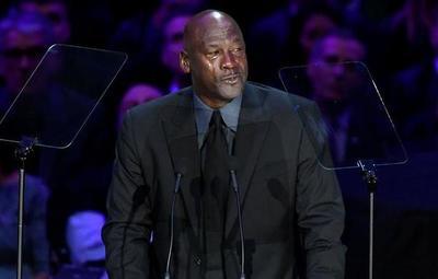 El llanto de Michael Jordan en el homenaje a Kobe Bryant