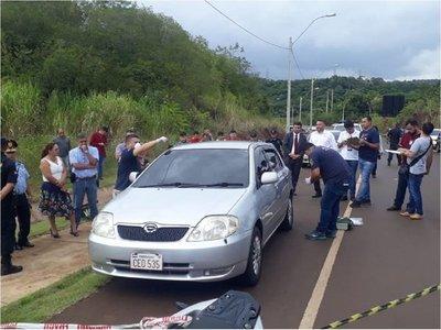 Hallan a dos mujeres muertas en un vehículo