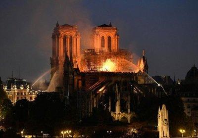 Incendio en Notre Dame: las primeras imágenes del interior de la catedral