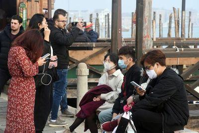 Más de 322 contagiados con coronavirus en Italia, ocho regiones afectadas y 10 muertos