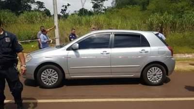 Mujeres encontradas muertes en un automóvil en Alto Paraná, habrían sido asesinadas en otro lugar