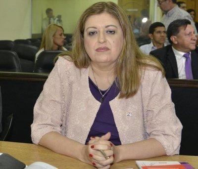 """Contraloría """"aprieta"""" a Quiñónez con supuestas malversaciones"""