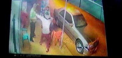 Asaltante dispara a clientes de una despensa en Luque