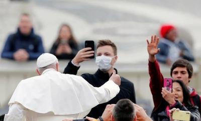 HOY / El Papa se solidariza con los afectados por el coronavirus