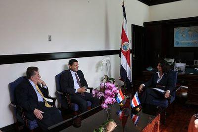 Paraguay y Costa Rica exploran nuevas aristas de negocios
