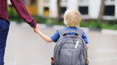 Profes rechazan a un niño con autismo