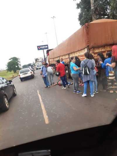Guarda de colectivo fue embestido por un tractocamión