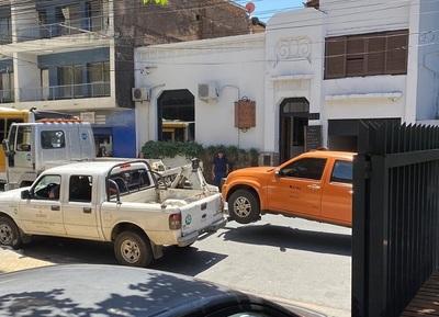 PMT se lleva un vehículo mal estacionado del MOPC