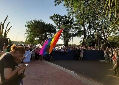 HOY / Amnistía internacional va a la Corte, contra intendente que desató conflicto por marcha LGTBI