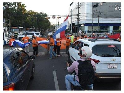 Ciudadanos piden fin de la corrupción y anuncian escraches a políticos