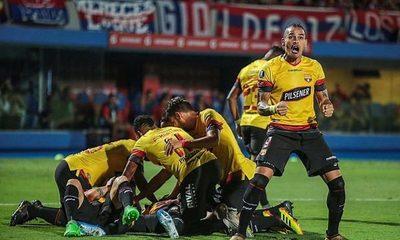 Barcelona golea a Cerro Porteño y lo elimina de la Libertadores