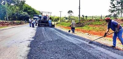 Avanzan obras claves para conectar comunidades del interior del país