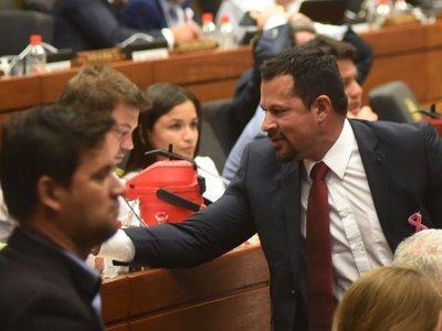Jueza cita a diputado Quintana para revisión de medidas